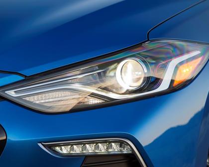 2018 Hyundai Elantra Sport Sedan Headlamp Detail