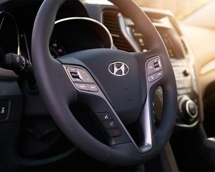 2018 Hyundai Santa Fe Sport 2.0T Ultimate 4dr SUV Steering Wheel Detail