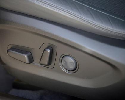 2017 Hyundai Tucson Limited 4dr SUV Interior Detail