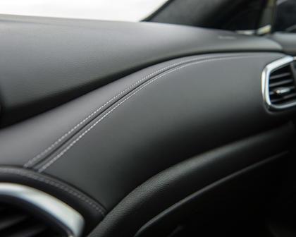 2018 INFINITI QX30 Sport 4dr SUV Interior Detail