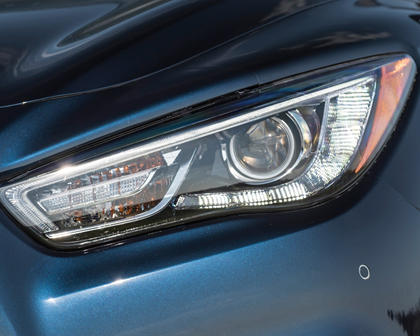 2017 INFINITI QX60 4dr SUV Headlamp Detail