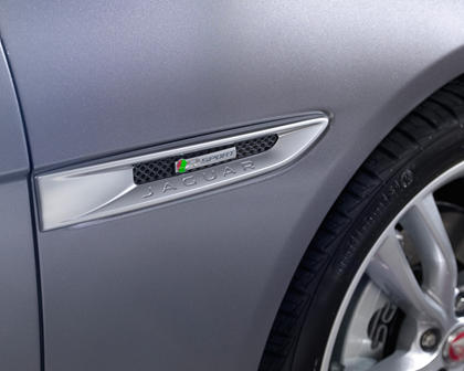 2018 Jaguar XF 20d R-Sport Sedan Fender Badge