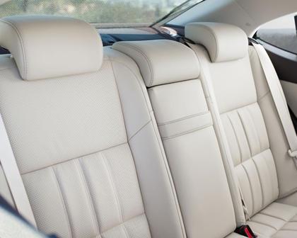 2016 Lexus ES 300h Sedan Rear Interior