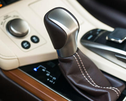 2016 Lexus ES 300h Sedan Shifter