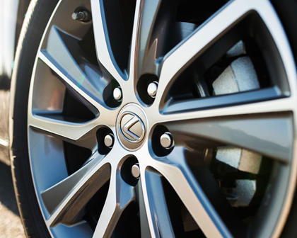 2016 Lexus ES 300h Sedan Wheel