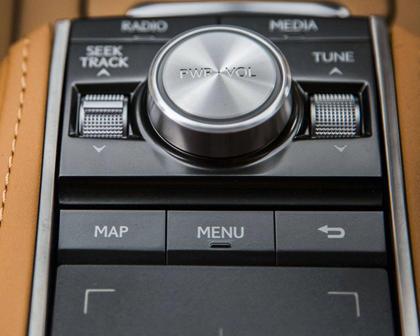 2018 Lexus LC 500 Coupe Aux Controls