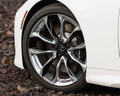 2018 Lexus LC 500 Coupe Wheel