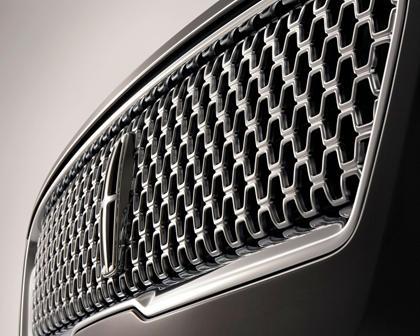 2018 Lincoln MKZ Black Label Sedan Front Badge