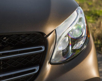 2018 Mercedes-Benz GLC-Class GLC 300 4MATIC 4dr SUV Headlamp Detail