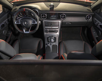2018 Mercedes-Benz SLC-Class AMG SLC 43 Convertible Dashboard
