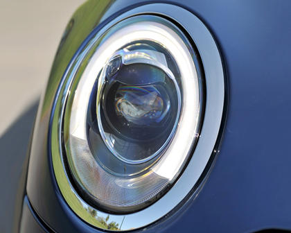 2018 MINI Hardtop 2 Door Cooper 2dr Hatchback Headlamp Detail