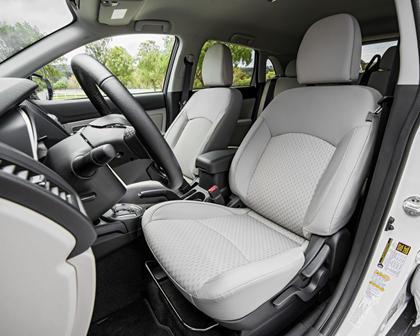 2017 Mitsubishi Outlander Sport 2.4 SE 4dr SUV Front Seats