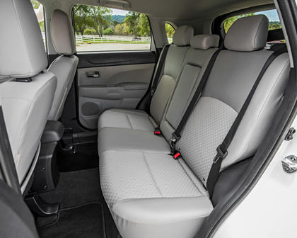 2017 Mitsubishi Outlander Sport 2.4 SE 4dr SUV Rear Seats