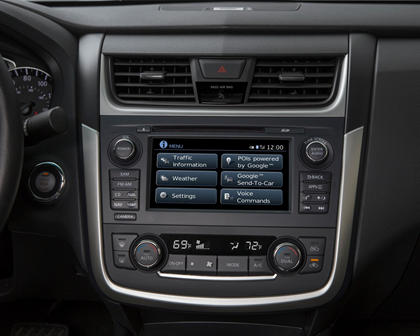 2017 Nissan Altima 2.5 SR Sedan Audio Console