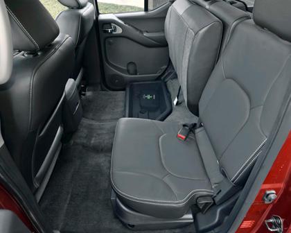 2017 Nissan Frontier PRO-4X Crew Cab Pickup Rear Interior