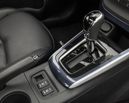 2017 Nissan Sentra SR Sedan Shifter Shown. Premium Technology Package Shown.