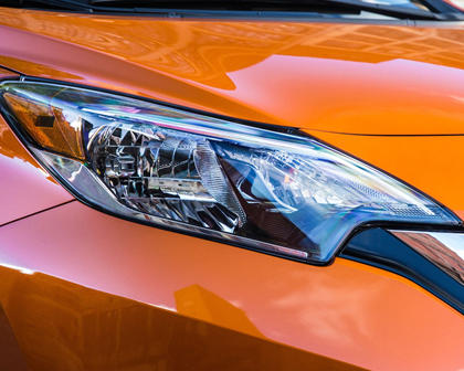 2017 Nissan Versa Note 1.6 SL 4dr Hatchback Headlamp Detail