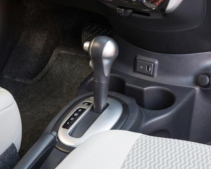 2017 Nissan Versa Note 1.6 SL 4dr Hatchback Shifter