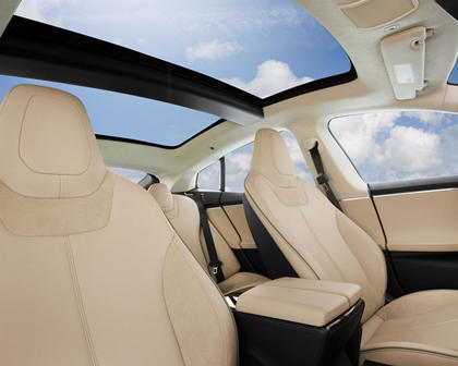 2017 Tesla Model S 90D Sedan Interior