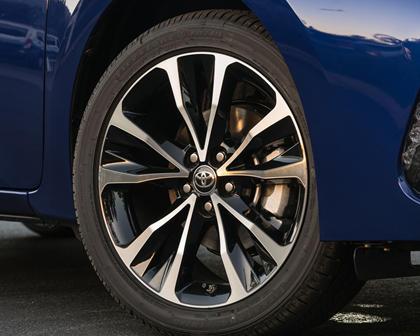 2018 Toyota Corolla SE Sedan Wheel