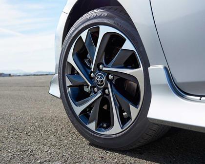 Toyota Corolla iM 4dr Hatchback Wheel