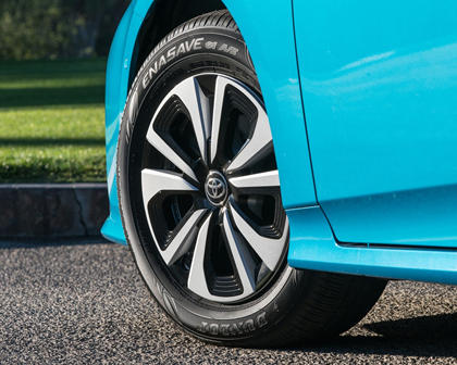 2017 Toyota Prius Prime Advanced 4dr Hatchback Wheel