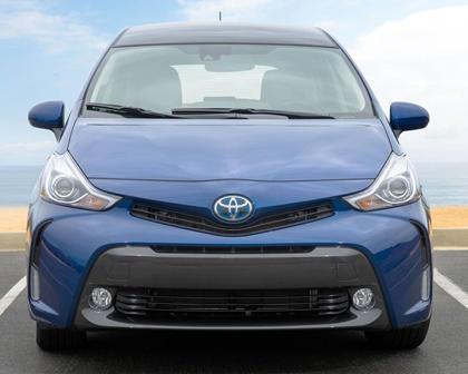 2017 Toyota Prius v Five Wagon Exterior
