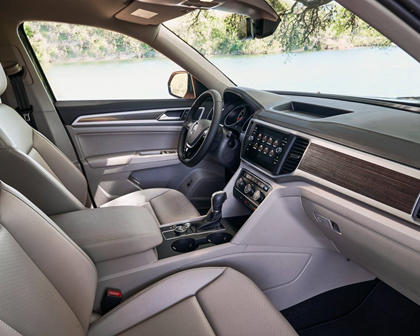 2018 Volkswagen Atlas V6 SE 4dr SUV Interior Shown