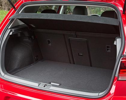 2017 Volkswagen Golf TSI SEL 4dr Hatchback Cargo Area