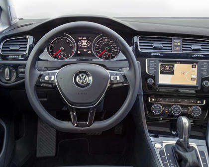2017 Volkswagen Golf TSI SEL 4dr Hatchback Steering Wheel Detail