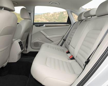 2017 Volkswagen Passat V6 SEL Premium Sedan Rear Interior