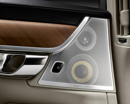 2018 Volvo  S90 Plug-in Hybrid Door Speaker Detail