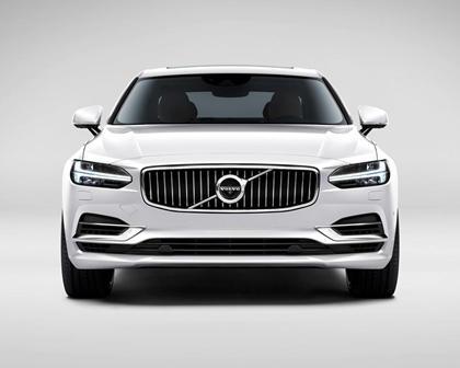 2018 Volvo  S90 Plug-in Hybrid Head On