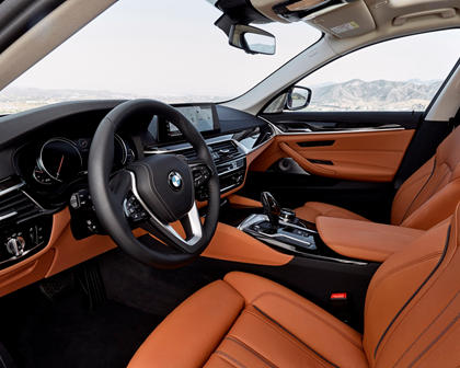 2017-2019 BMW 5 Series Sedan Driver Area