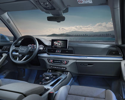 2016-2018 Audi Q5 Driver and Passenger Front View