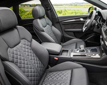 2018 Audi SQ5 Front Seating