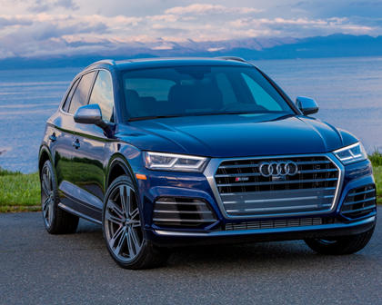 2018 Audi SQ5 Front Three-Quarter Right Side View