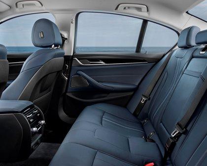 2018-2019 BMW 5 Series Plug-in Hybrid Rear Seating