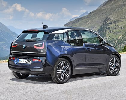 2018 BMW i3 Hatchback Rear Three-Quarter Right Side View