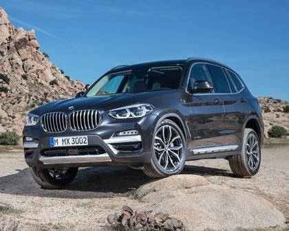 2018-2019 BMW X3 Front Three-Quarter Left Side View