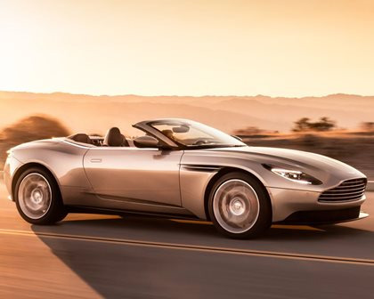 5 Stunningly Sexy Convertibles For A Valentine's Day Getaway