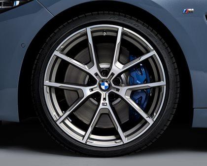 2019 BMW 8 Series Wheel Closeup