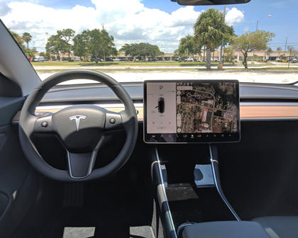 2018 Tesla Model 3 Navigation Display