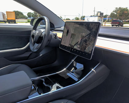 2018 Tesla Model 3 Dashboard Layout