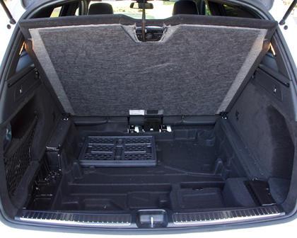 2018 Mercedes-Benz GLC 300 trunk hidden storage