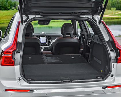 2018-2019 Volvo XC60 Plug-in Hybrid Luggage Space with Second Row Down
