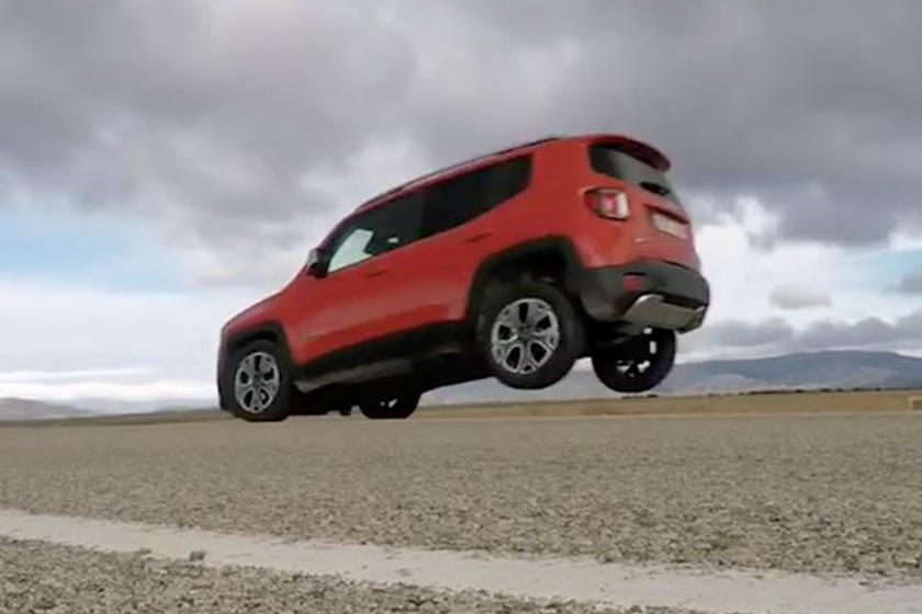 Jeep Renegade Problems >> Turns Out The Jeep Renegade Has Kind Of A Huge Braking Problem Carbuzz