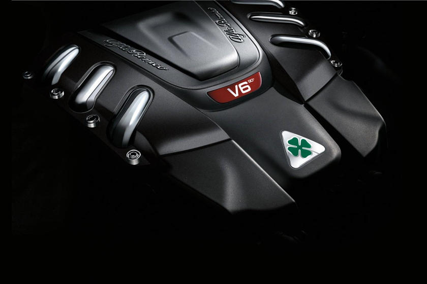 Alfa Romeo Giulia Quadrifoglio Sedan 2.9L V6 Turbo Engine