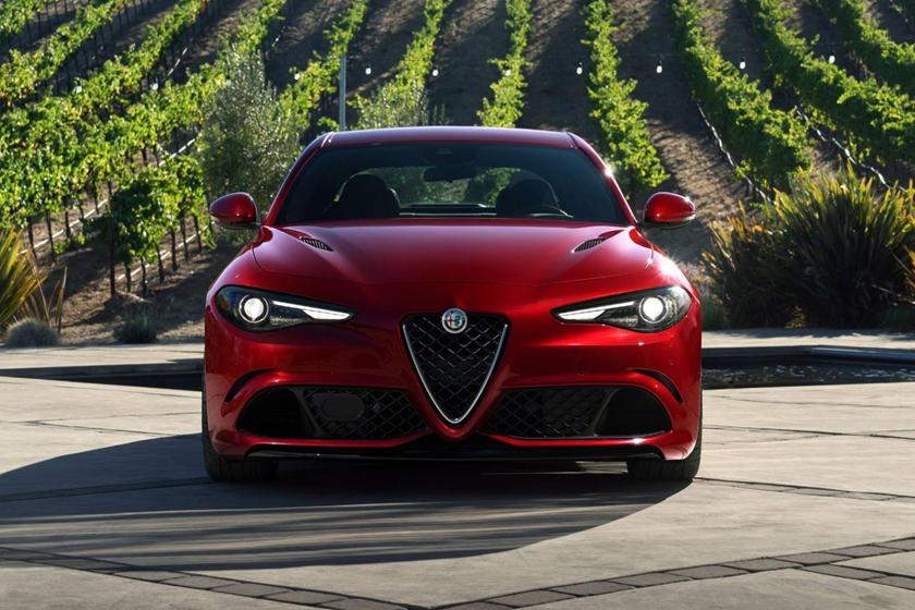 2018 Alfa Romeo Giulia Quadrifoglio Review 2 Carbuzz