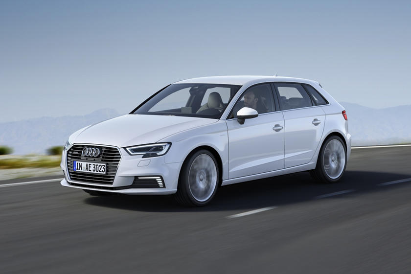 2017-2018 Audi  A3 Sportback e-tron Front Side in Motion